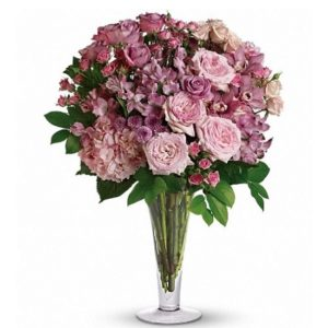 A La Mode Bouquet with Long Stemmed Roses